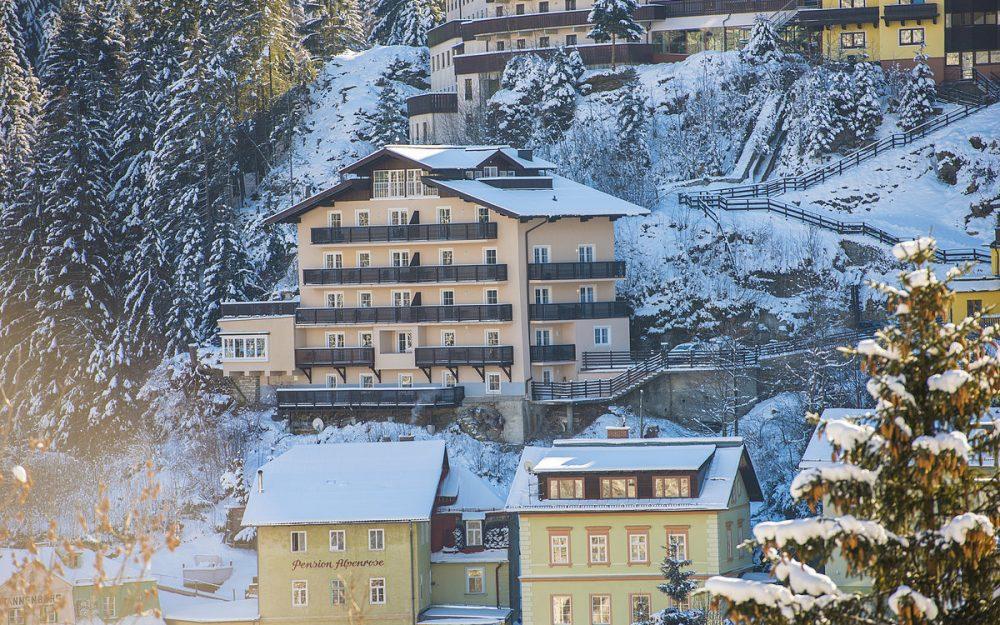 Een van een soort met adembenemend uitzicht, Alpenhof