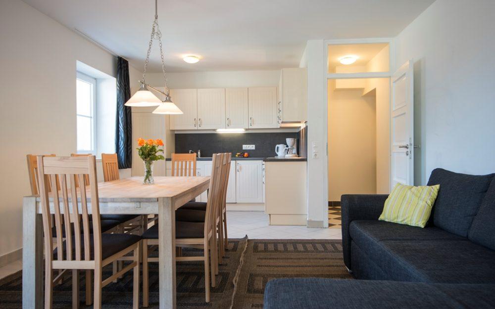 Superior three-rooms  apartment  in the center
